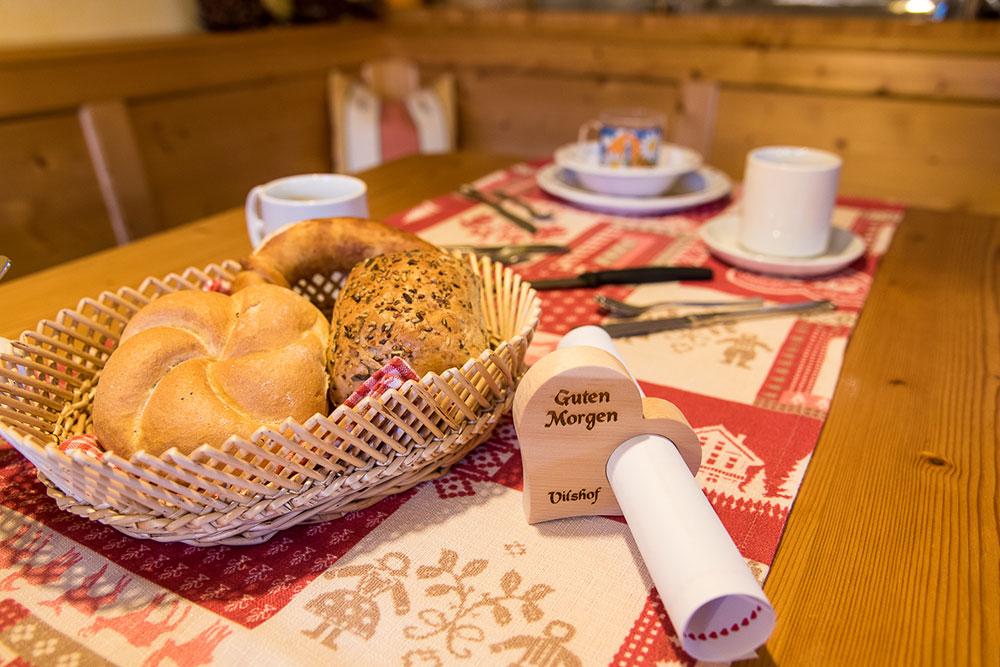 Gedeckter Tisch beim Frühstück