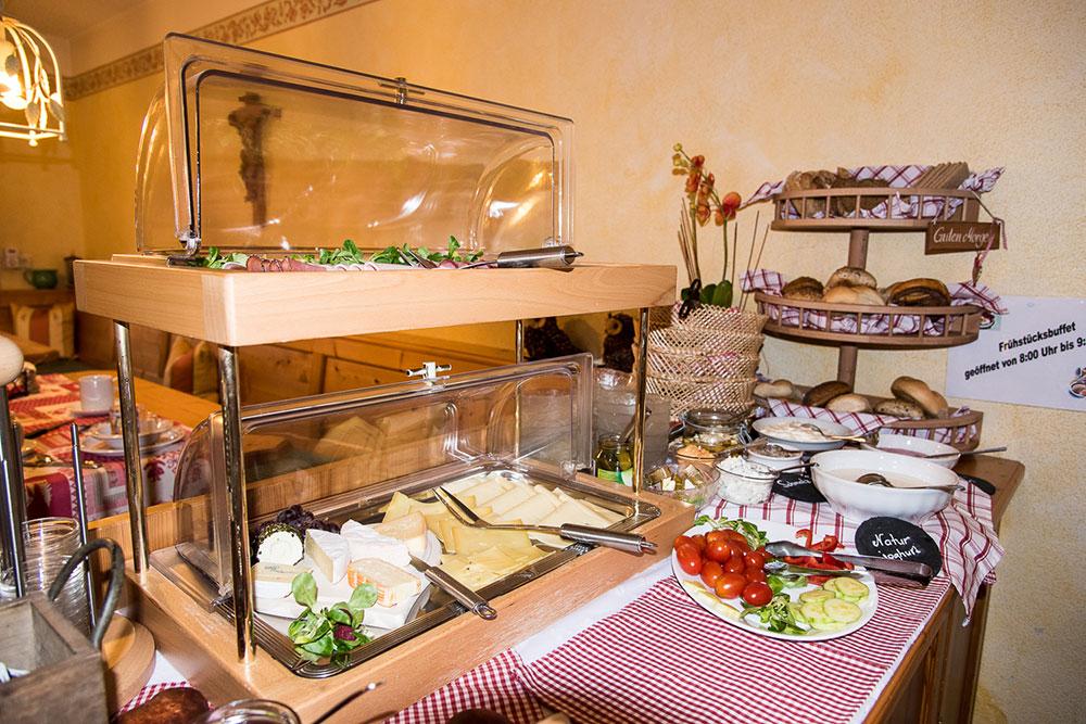 Frühstücksbuffet im Vilshof